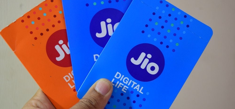 Beware: This is how fake Jio TV SMS scam stealing your credit and debit cards