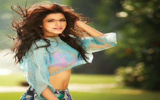 Anushka Sharma's Summery Beauty knows how to Hit Scorched Heats