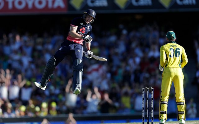 England Misses To Score 500 Runs in ODI, Smashes Highest Total 481-6