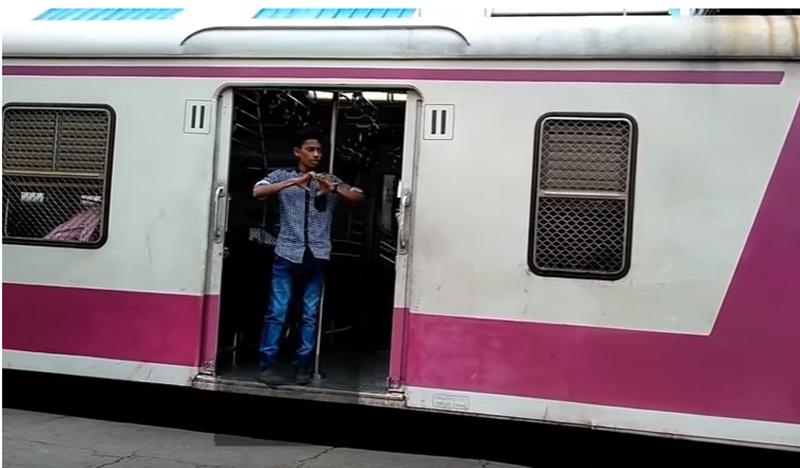 Mumbai Police Saw them doing Kiki Dance on the Railway Platform, What Happened Next is Hillarious!!