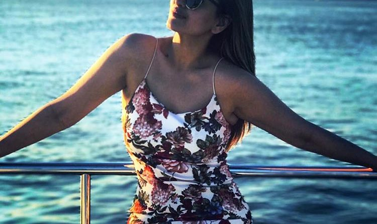 Sonakshi Sinha's Sunkissed Beach Day Will Bemuse You For Its Beauty