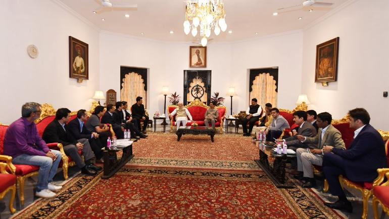 PM modi meeting with Bollywood deligates