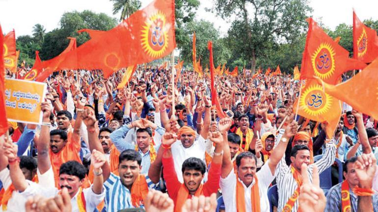 BAJRANG DAL THREATENS THE PARTY-GOERS IN BENGALURU