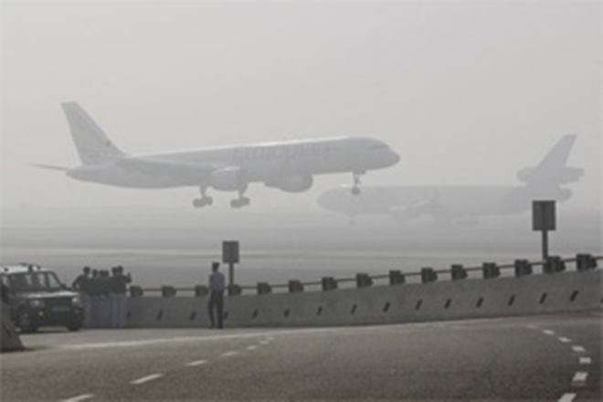 fights cancelled due to fog in New Delhi