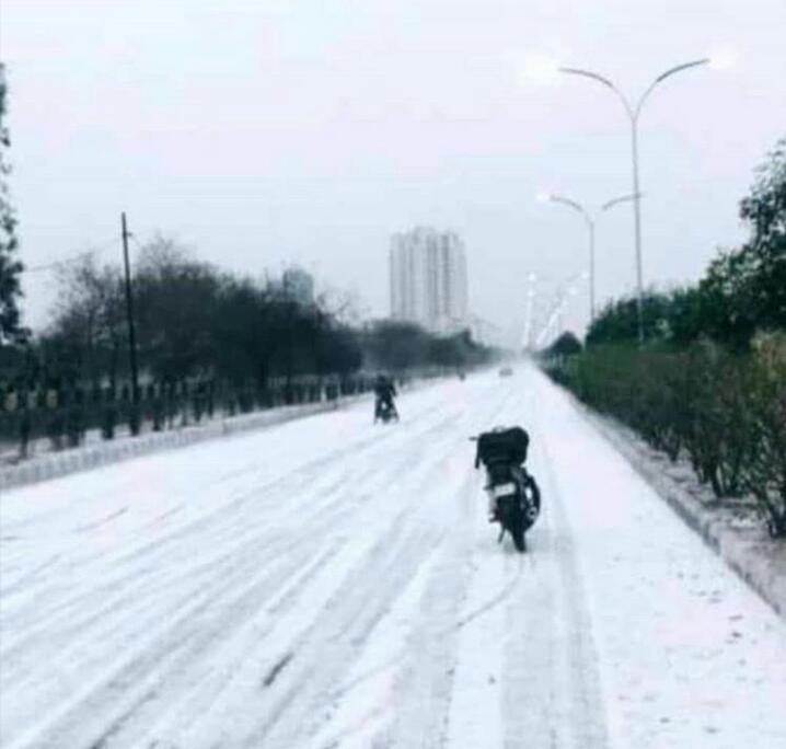 snowfall in delhi