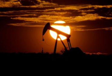 Oil Spirals bounces back in Positive after the most 'Devastating Day' for Global economy