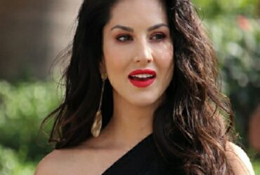 "Sunny Leone ""tops ""Kolkata College's Merit List, actress tweets "" See you all next Semester """