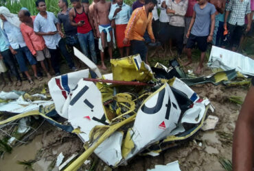pilot dead in helicopter crashed at azamgarh
