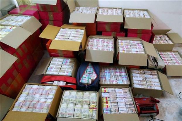 IT raids 50 location belonging to Kamal Nath aide