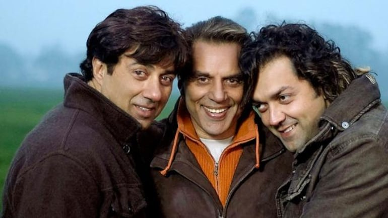 While Apne revolves around the relationship between a father and his two sons, it is to be seen what Apne 2 has to offer given Karan Deol is also on board this time. Apne was a box office hit, which minted a decent amount overseas. Apart from Apne, Dharmendra, Sunny, and Bobby were also seen together in the Yamla Pagla Deewana series.